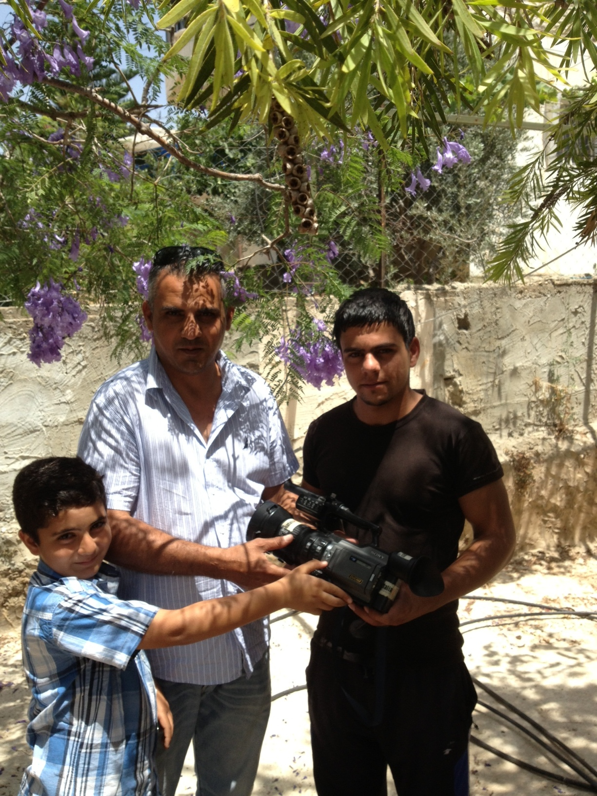 Emad hamza giving Camera