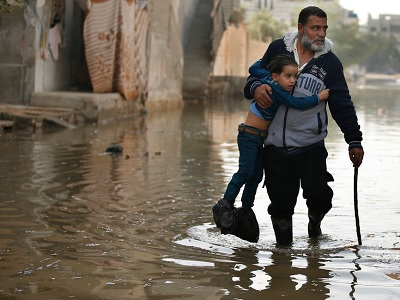 gaza sweage flood1 1